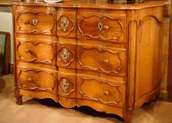 Restauration de meubles anciens à Lyon